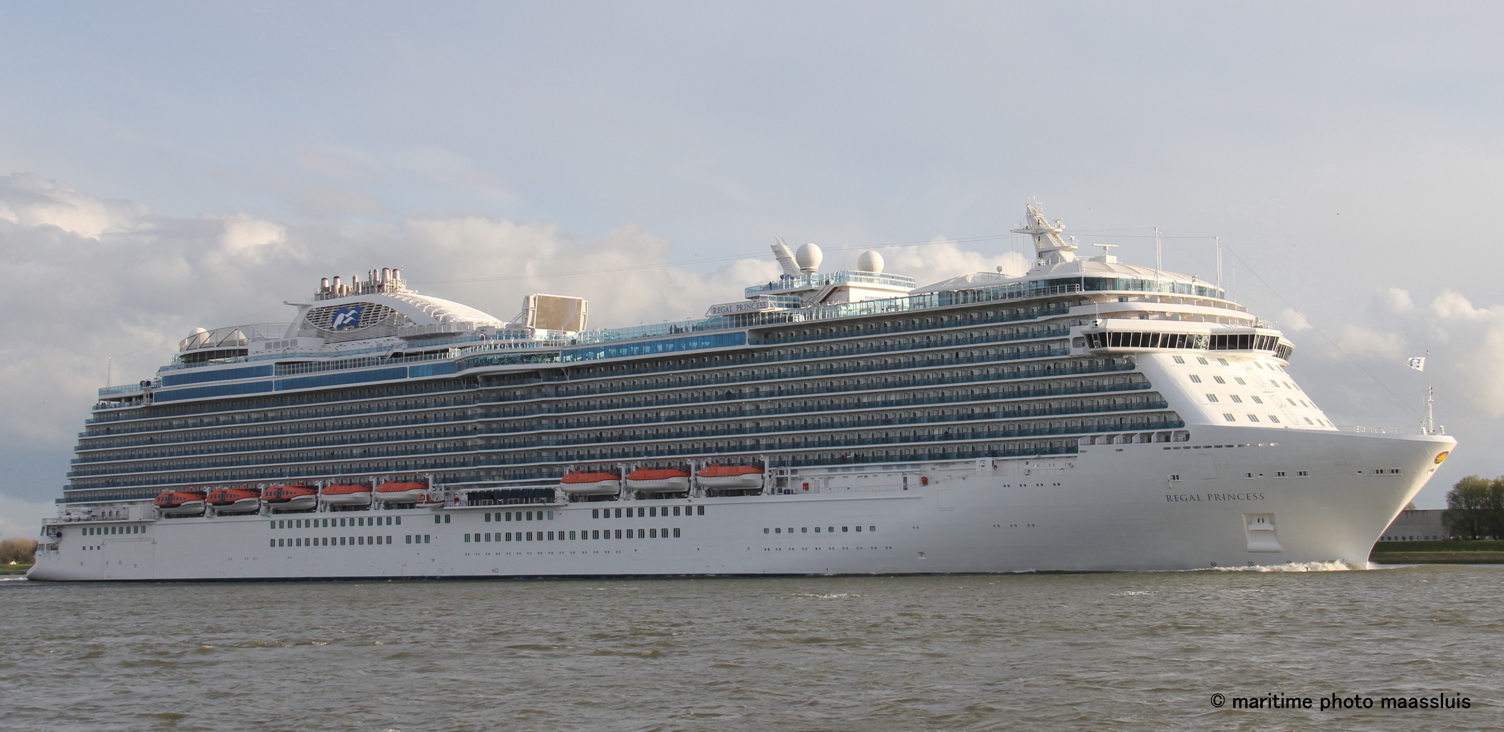 regalprincess02.jpg