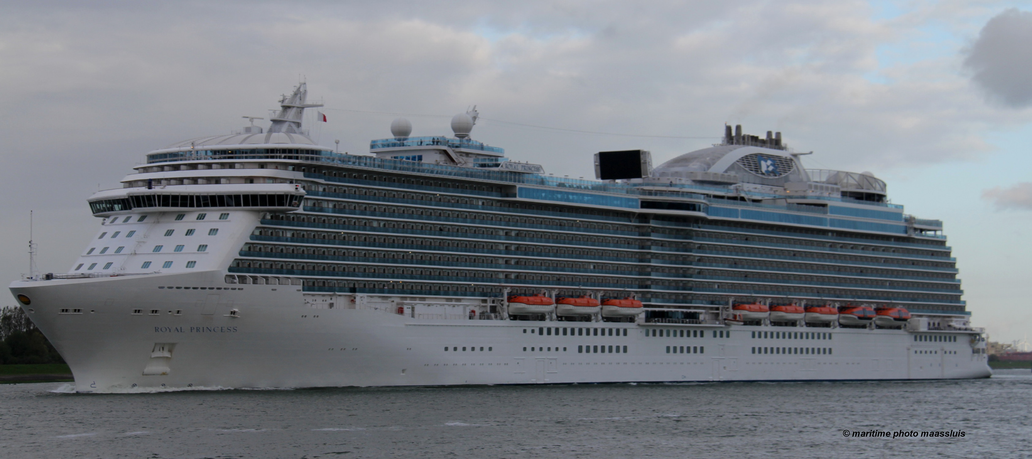 royalprincess01.jpg